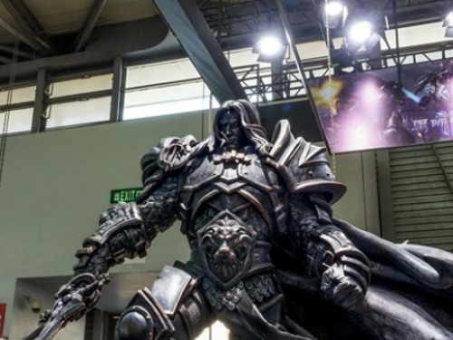 ¡Impresionante estatua de Arthas para China Joy 2019