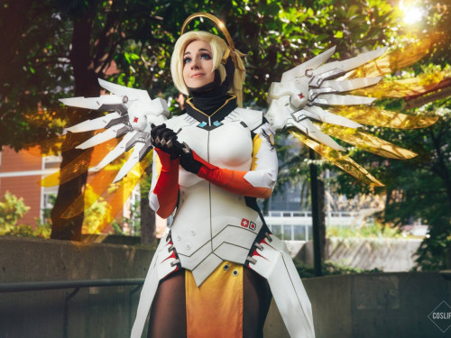 Cosplay Mercy: Oshley Cosplay