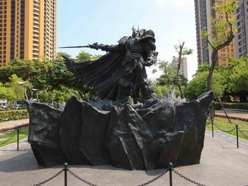 Nace un Rey en Taiwan: Desvelamos la Estatua de Arthas