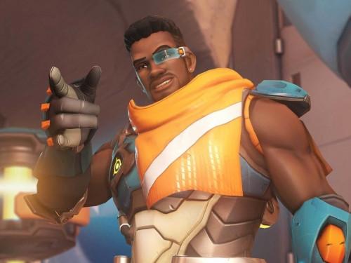 Gear Store de Blizzard: ¡Promoción Camisa de Baptiste!