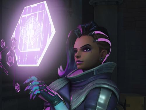 Sombra: Habilidades, logros, historia y Curiosidades en Overwatch