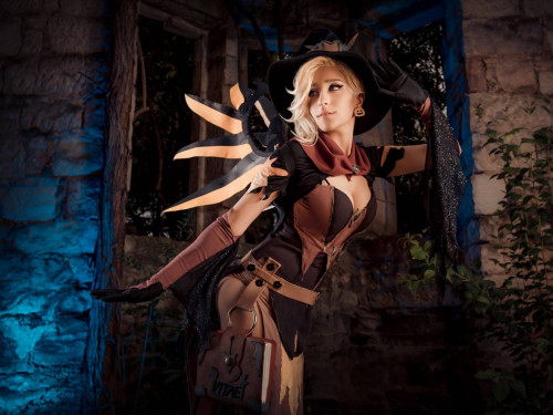 Cosplay Mercy: Knitemaya