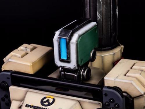 Consolas custom con temática de Overwatch
