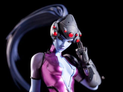 Estatuilla de Widowmaker: ¡Ya a la venta!